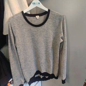 Aritzia Wilfred sweater size S in EUC